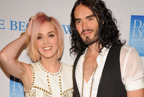 Katy Perry y Russell Brand tatuados