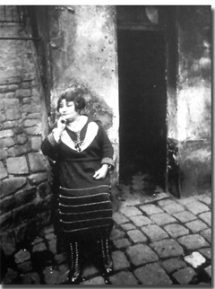La Villette, rue Asselin, 1921. Eugene Atget