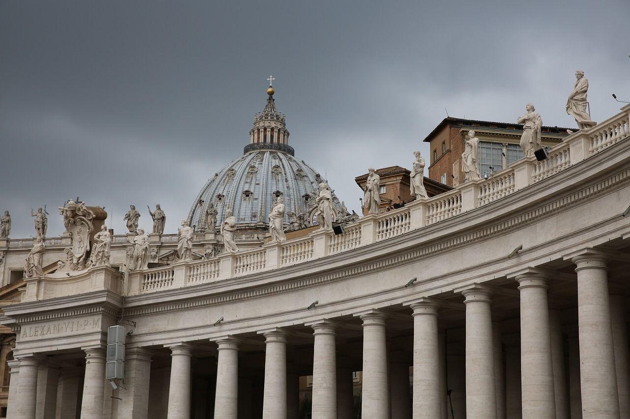 los-espias-del-vaticano