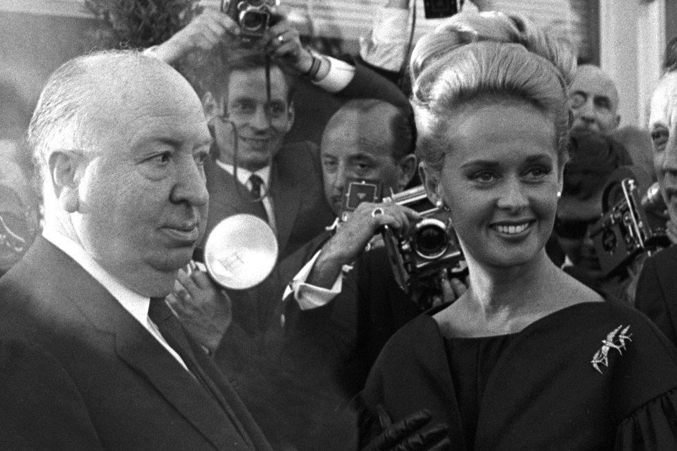 Las memorias de Tippi Hedren dejan mal parado a Alfred Hitchcock