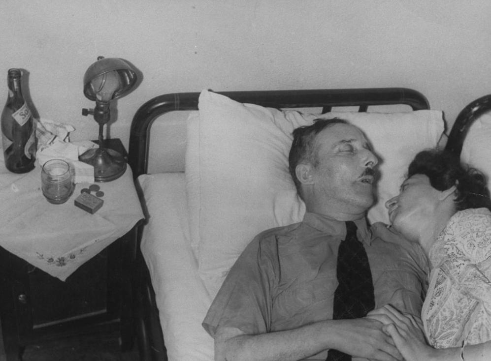 Stefan Zweig, tras huir de Hitler, se suicidó junto a su esposa Lotte en Petrópolis en 1942