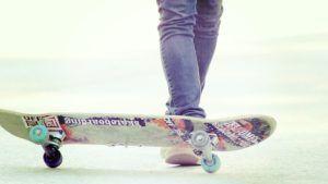 skateboard-monopatin
