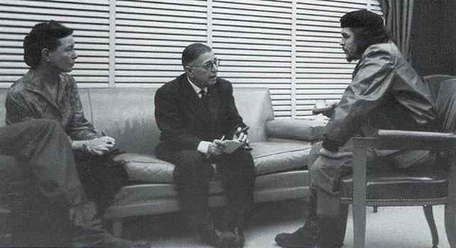 Sartre, Simone de Beauvoir, junto al Che-Guevara, en un viaje a Cuba