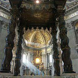 Columna Salomónica. Baldaquino de Bernini en la Basílica de San Pedro