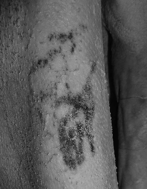 Detalle del tatuaje del hombre de Gebelein. Momia. Museo Británico