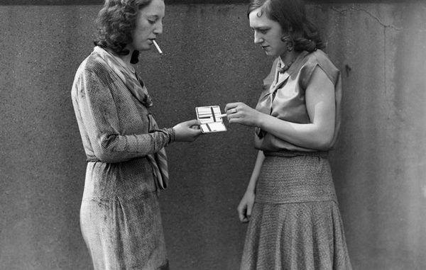 El derecho envenenado: la ordenanza Sullivan que prohibía fumar a las mujeres