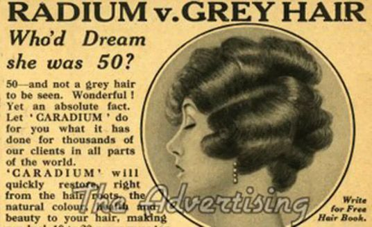 Anuncio de la década de 1930 de Caradium, un restaurador de cabello con radio.