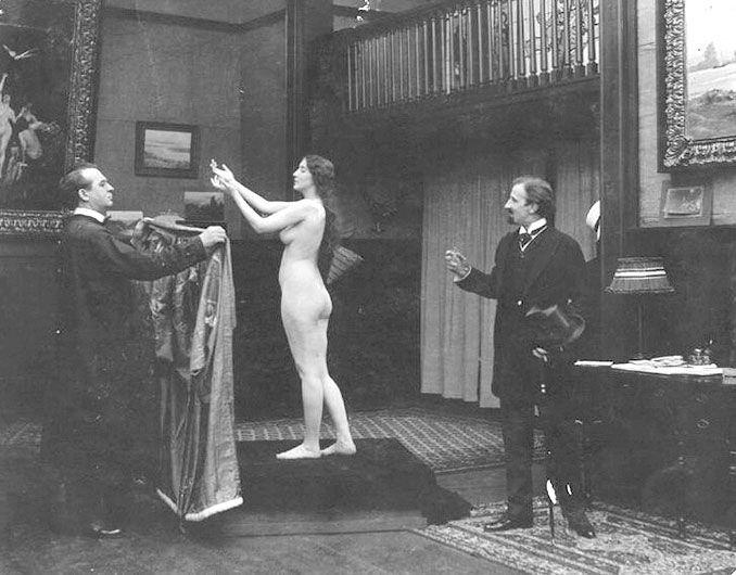 Audrey Munson en su papel de modelo en la película Inspiration, 1915.