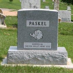 tumba de Dora Paskel