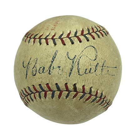 Una pelota de basebol firmada por Babe Ruth Baseball