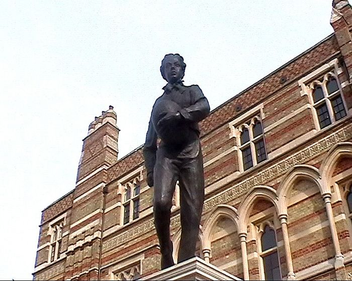Monumento a William Webb Ellis en Rugby School