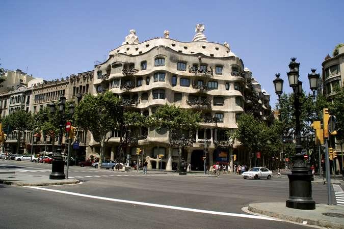 Art Nouveau. Casa Milá. Antoni Gaudi.