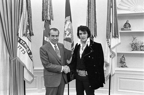 'Elvis y Nixon': Cuando el Rey se reunió con el Presidente