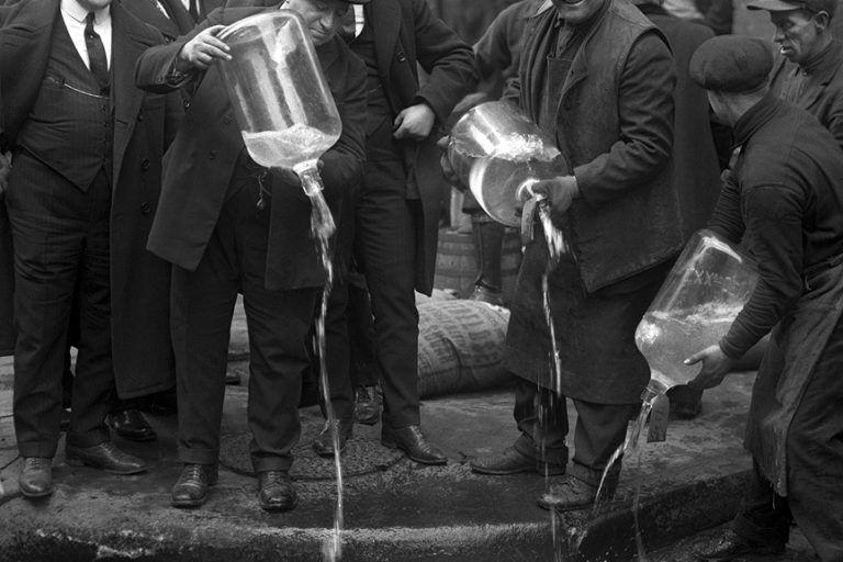historia de la ley seca, cuando el gobierno estadounidense envenenaba el alcohol