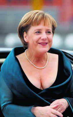 Angela Merkel y su escotazo