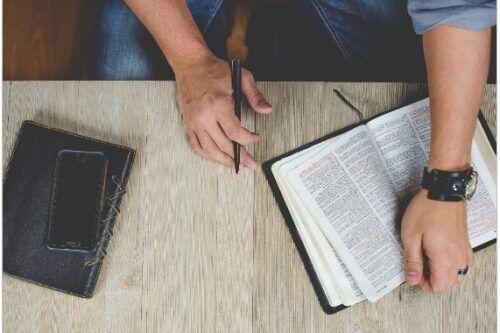 5 apps religiosas que están causando sensación en 2021